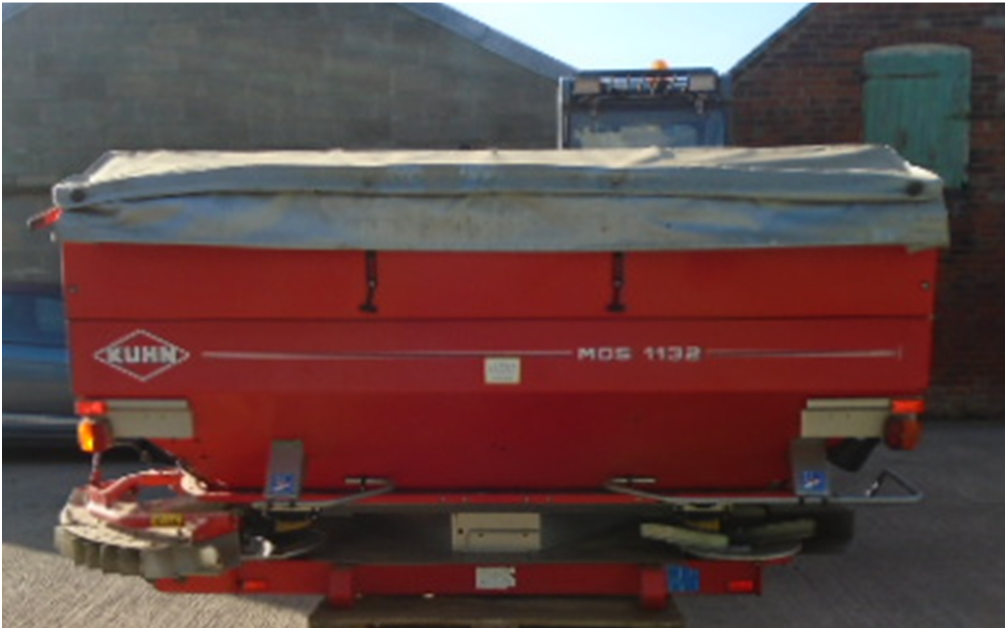 KUHN FERT SPREADER NEW X CLIFTON
